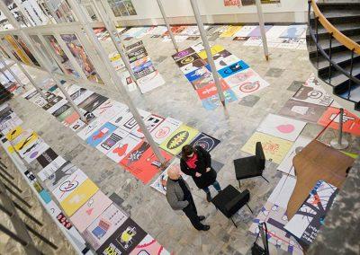 Prace konkursowe zajęły całą podłogę w Muzeum.